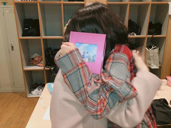 武井紗良「無事に梓に卒業アルバムを作ってプレゼントする事ができました。」