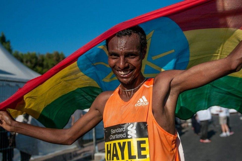 ドバイマラソン : 世界の中長距...