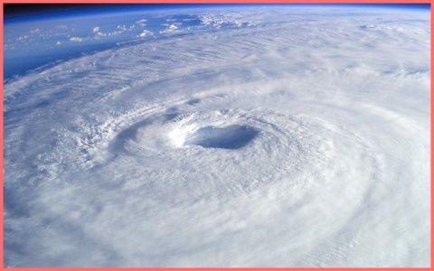 お前らお待たせ!台風5号が本州に来るぞおおおおおぉぉぉ!