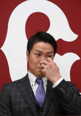 巨人・山口鉄、9600万円減の2億2400万円で更改