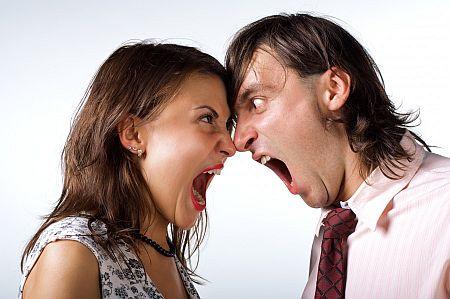 喧嘩していたのに夫がいつも通り接してきた。何もかも終わったと思ってる夫に、驚く程の勢いで冷めて行く
