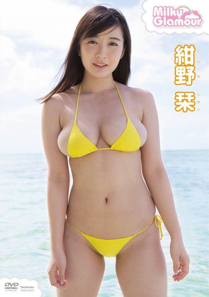 【画像】 海で「ほとんど裸」の女の子が撮影されるwwwww(※画像あり