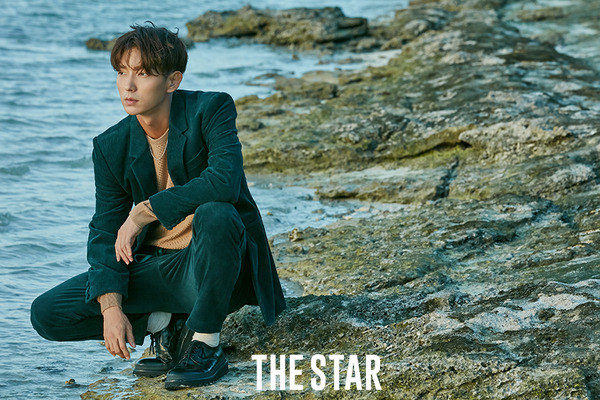 3 THE STAR -10