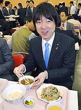 橋下知事、SMAP定食を食す!