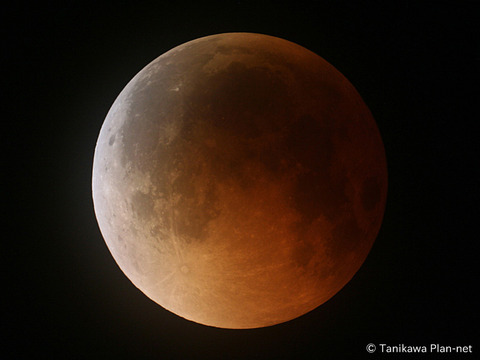 eclipsed_moon