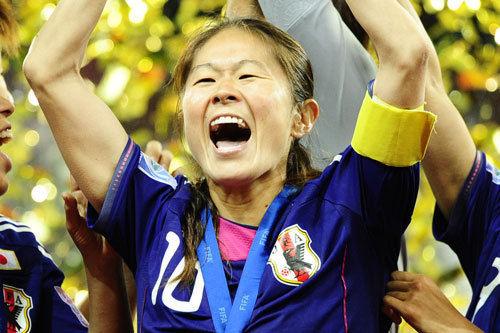 Soccerking_daihyo_201201100355_homare_sawa