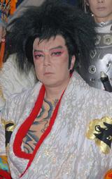 アクシデントに見舞われた古田新太