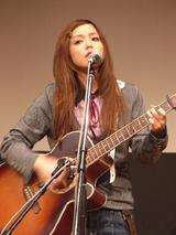 解散を発表した中ノ森BANDのボーカル・AYAKO
