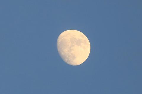 s_moon_4W5A5731