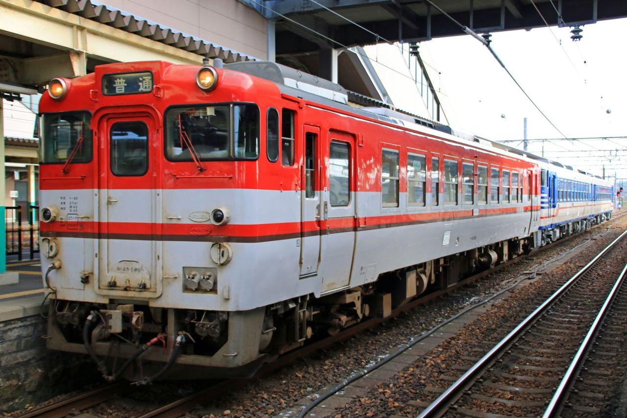 JR東日本 キハ40-585(イメージアップ新潟色)+キハ48-538+48-1535(新潟色)
