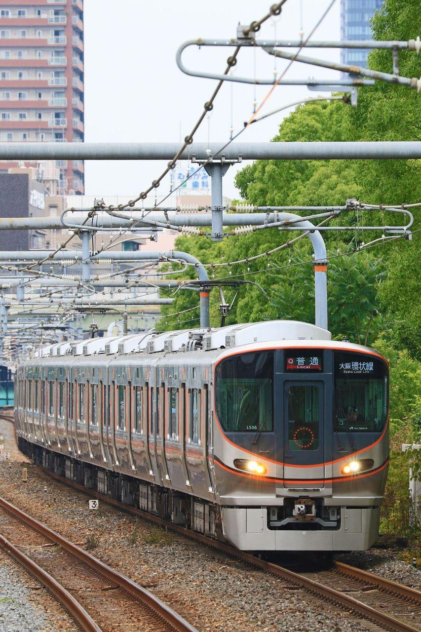 JR西日本 323系LS06編成