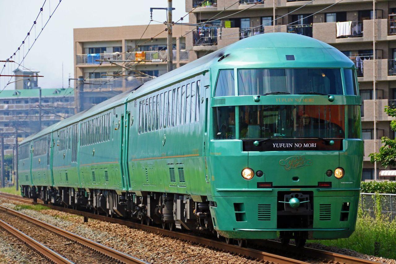 JR九州 キハ72系特急「ゆふいんの森」