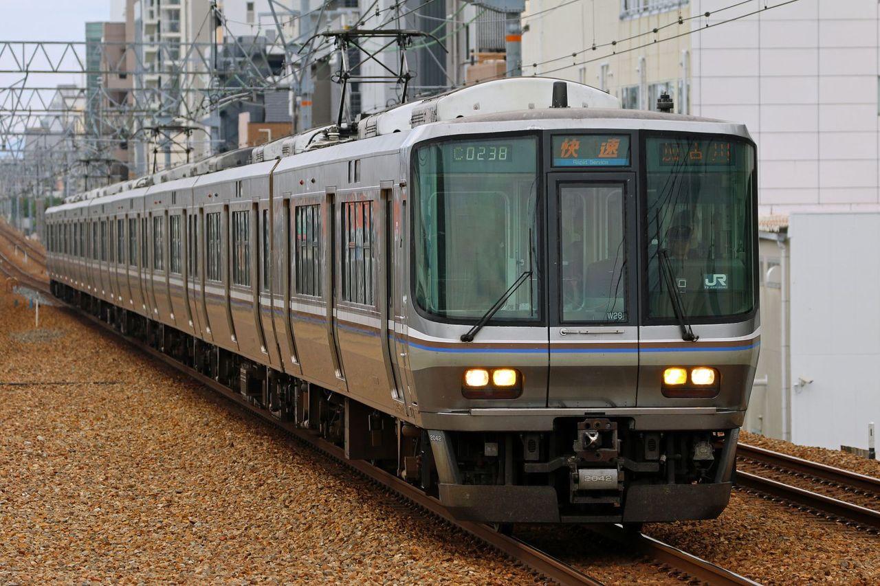 JR西日本 223系2000番台W28編成