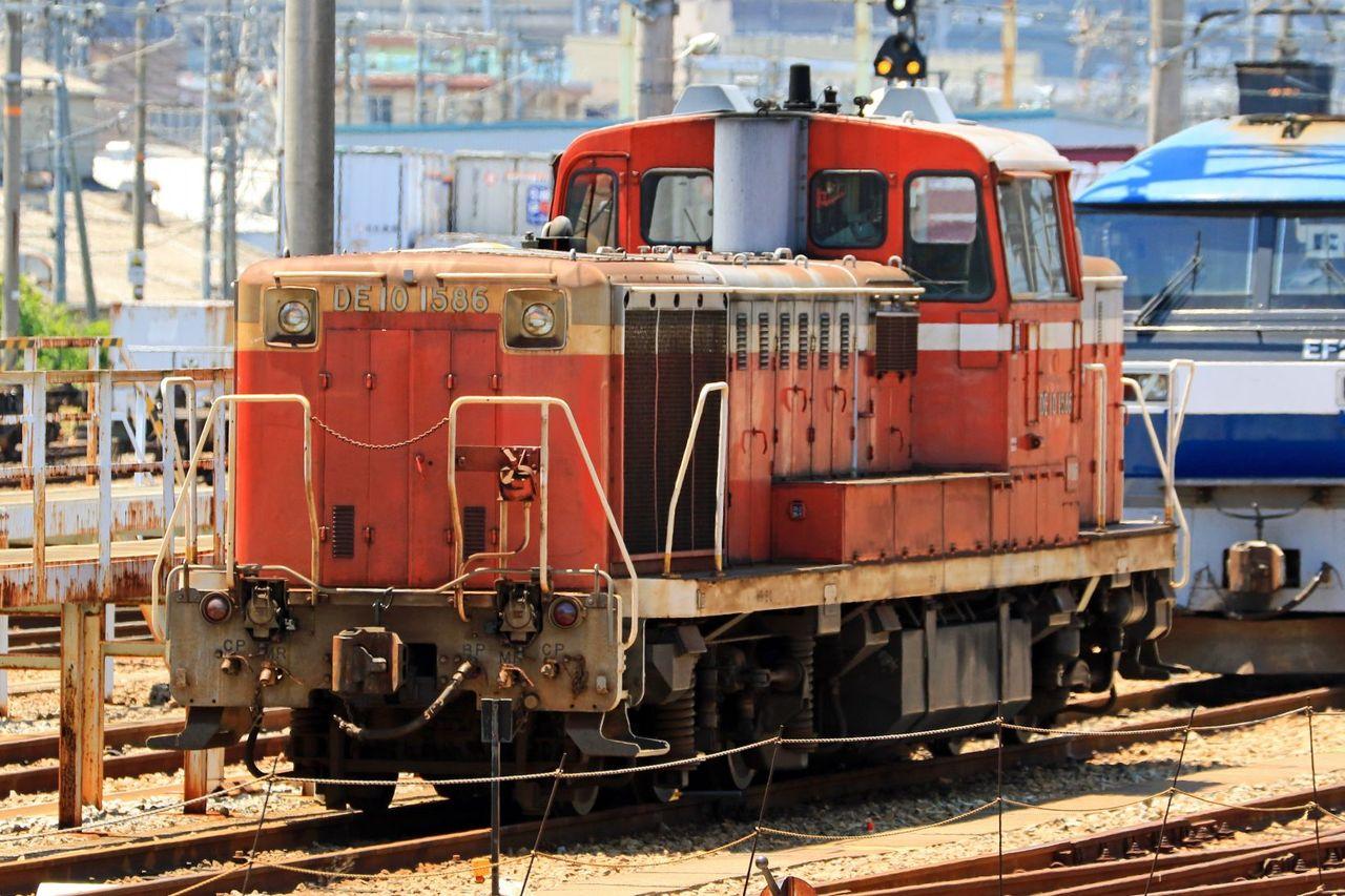JR貨物 DE10-1586号機 国鉄色 入換動車