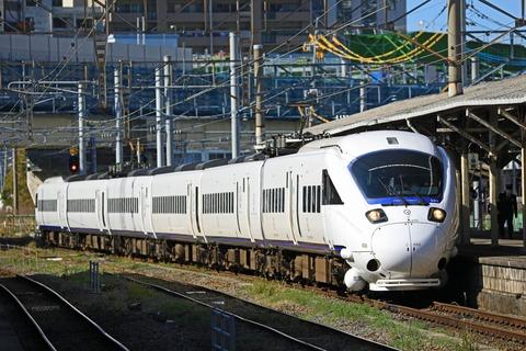JR九州 885系SM9編成 特急「かもめ」@長崎駅地上ホーム