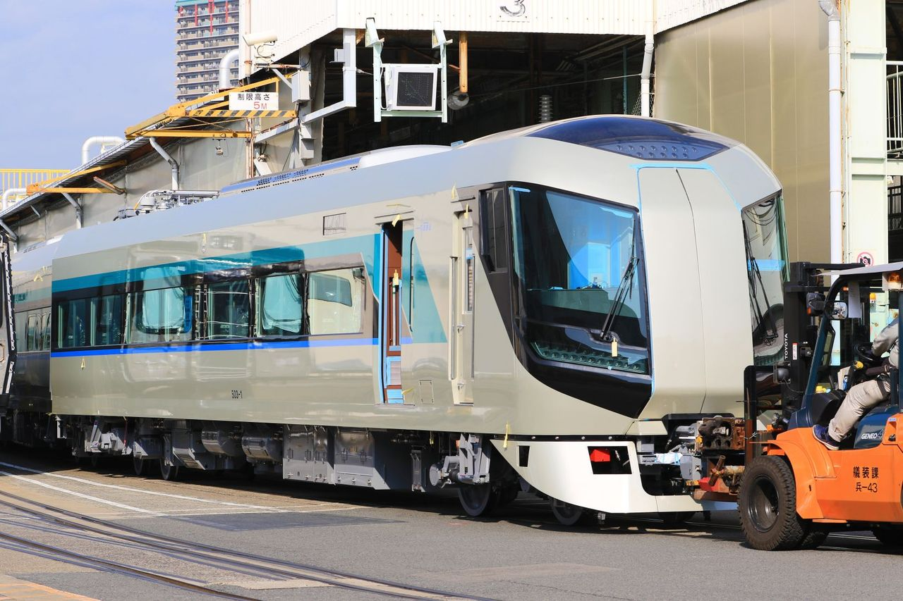 東武鉄道 500系新型特急車両「Revaty」 第1.2.3編成 川崎重工兵庫工場にて。