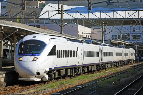 JR九州 885系SM4編成 特急「かもめ」@長崎駅地上ホーム