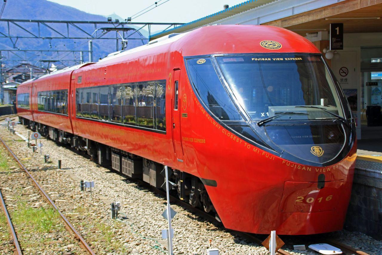 富士急行 8500系X1編成 「富士山ビュー特急」