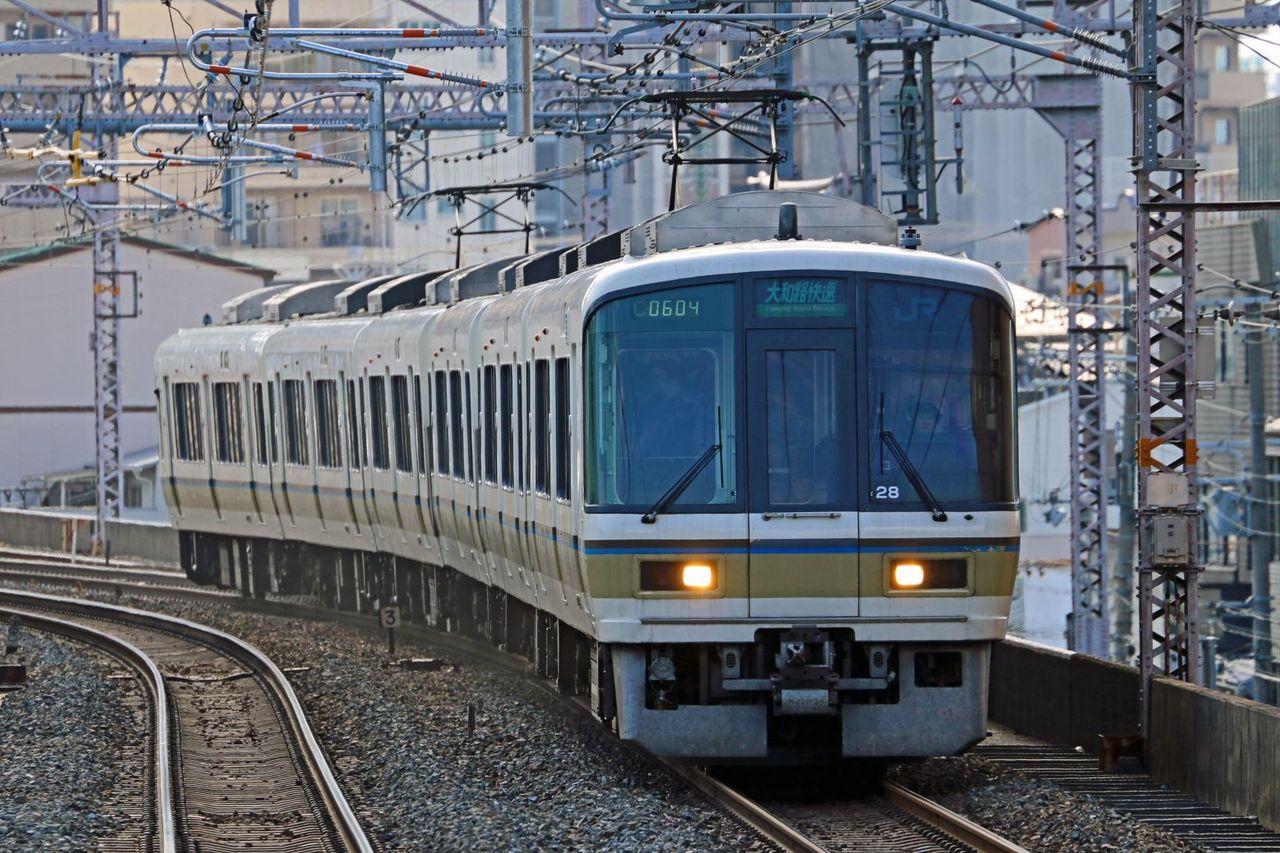 JR西日本 221系NC605編成