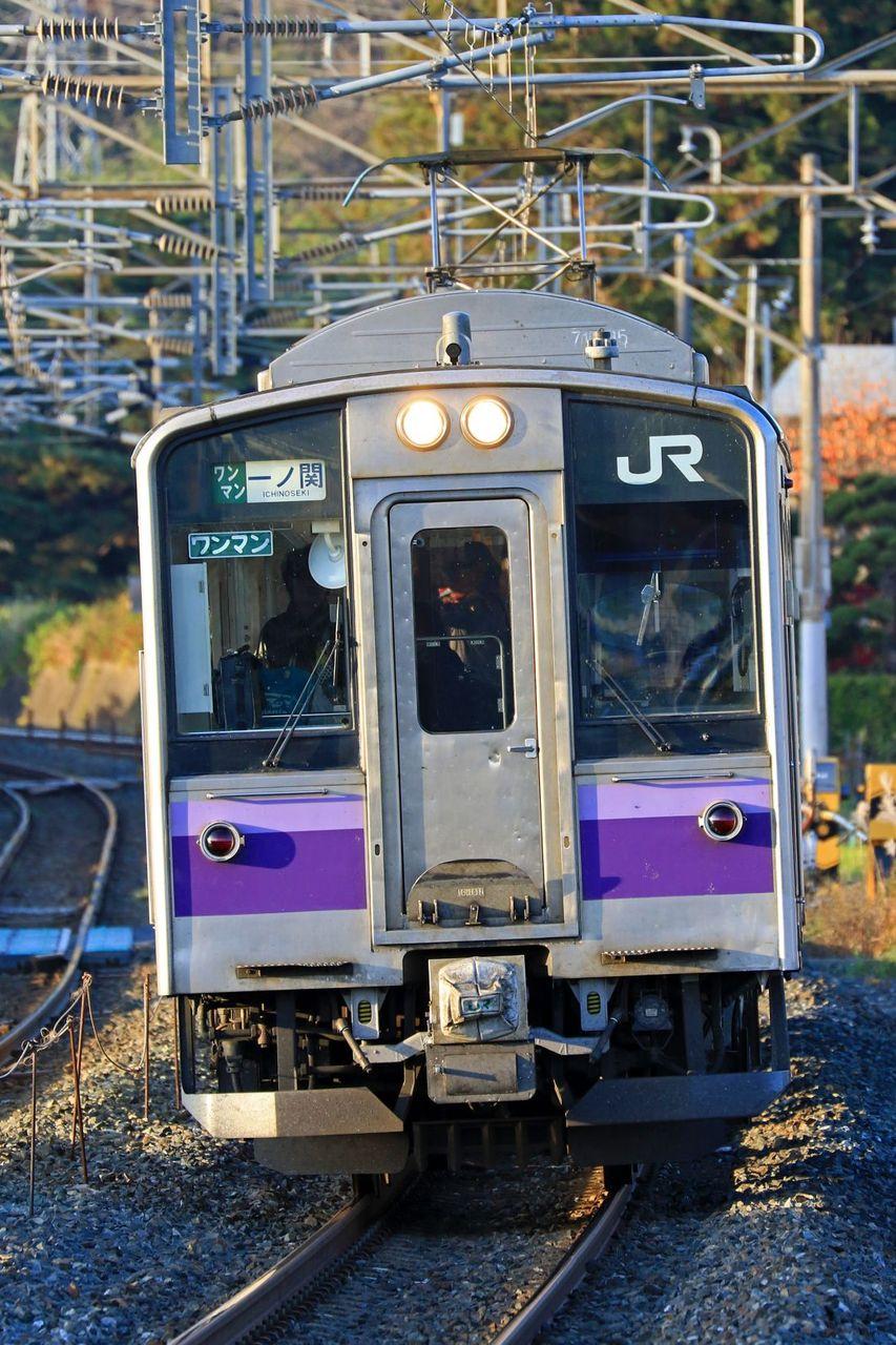 JR東日本 701系1000番台1032編成 盛岡色