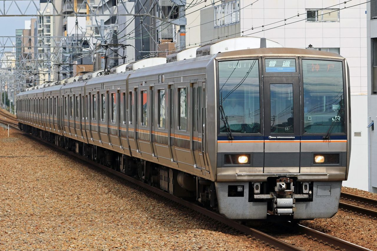 JR西日本 207系S16+T10編成