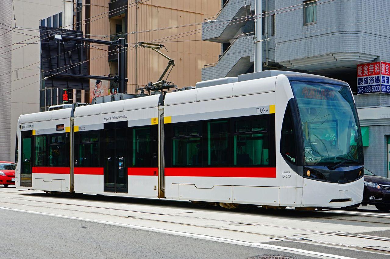 富山地方鉄道 T100形サントラム T102編成