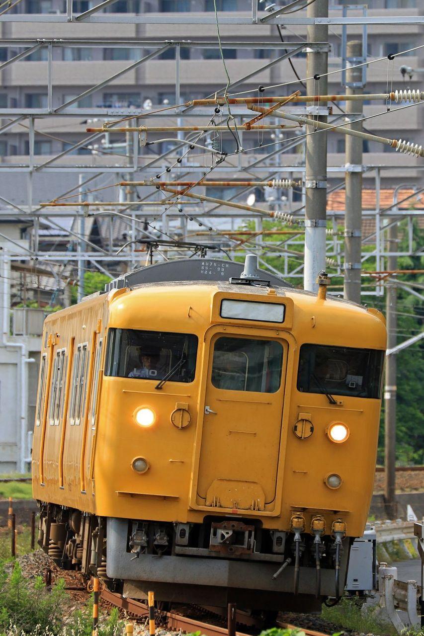 JR西日本 115系2000番台L10編成 地域色