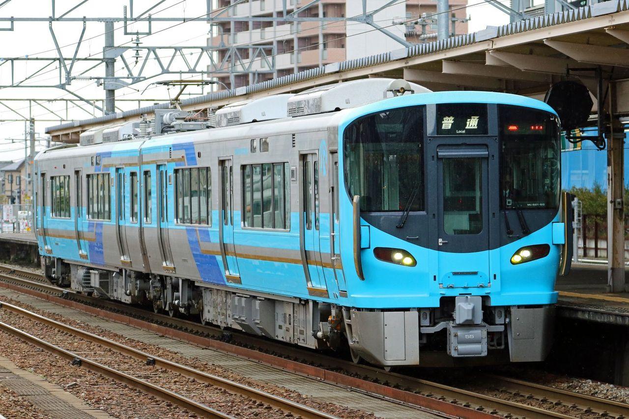 IRいしかわ鉄道 521系黄/黄土(金)系編成