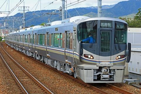 JR西日本 225系100番台I12編成 出場試運転