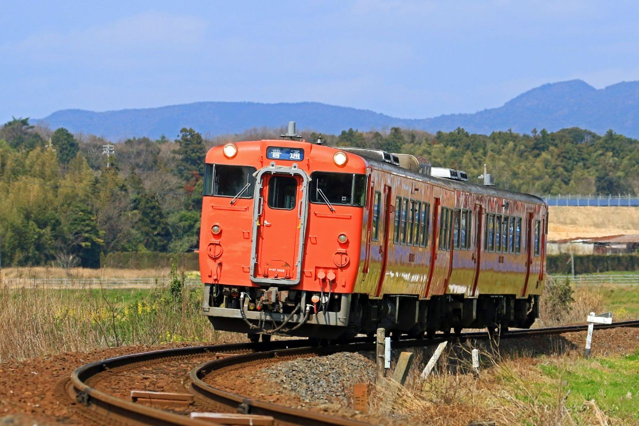 JR西日本 キハ47-3004+キハ47-2501(首都圏色)