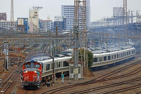 JR西日本 221系A1編成 DD51-1192号機による入換作業@宮原総合運転所