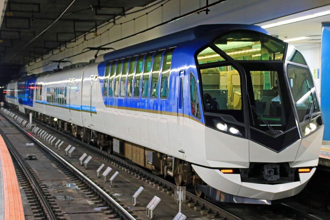 近畿日本鉄道 観光特急「しまかぜ」に乗る。