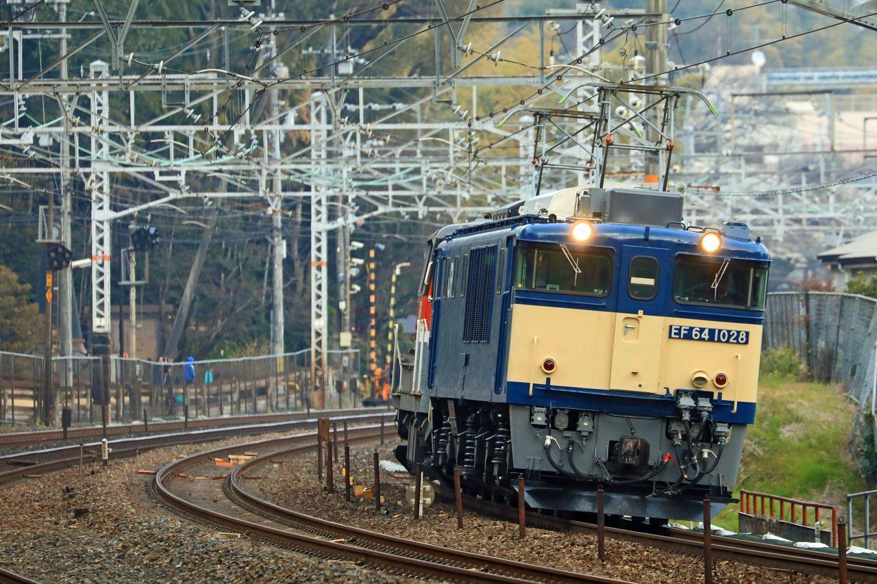 JR貨物 EF64-1028号機 国鉄色+DE10-1726号機 貨物更新色