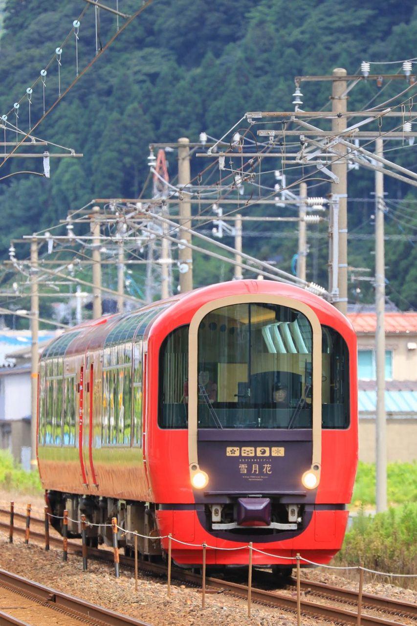 えちごトキめき鉄道 ET122形1000番台気動車「えちごトキめきリゾート 雪月花」