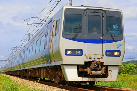 JR四国 8000系L1編成 特急「しおかぜ」8号