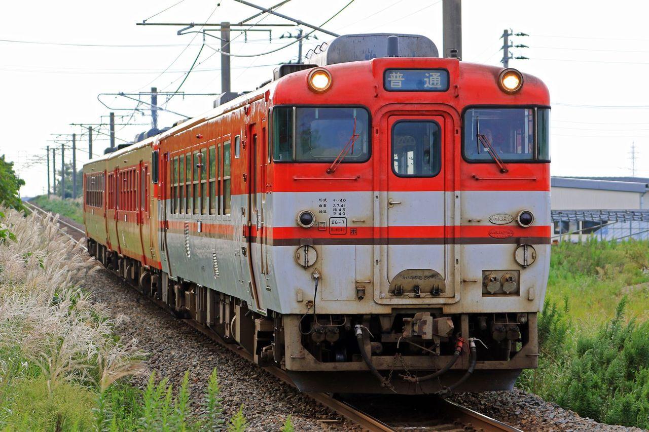 JR東日本 キハ40-587(イメージアップ新潟色)+47-1514+48-523(国鉄急行色ふう)