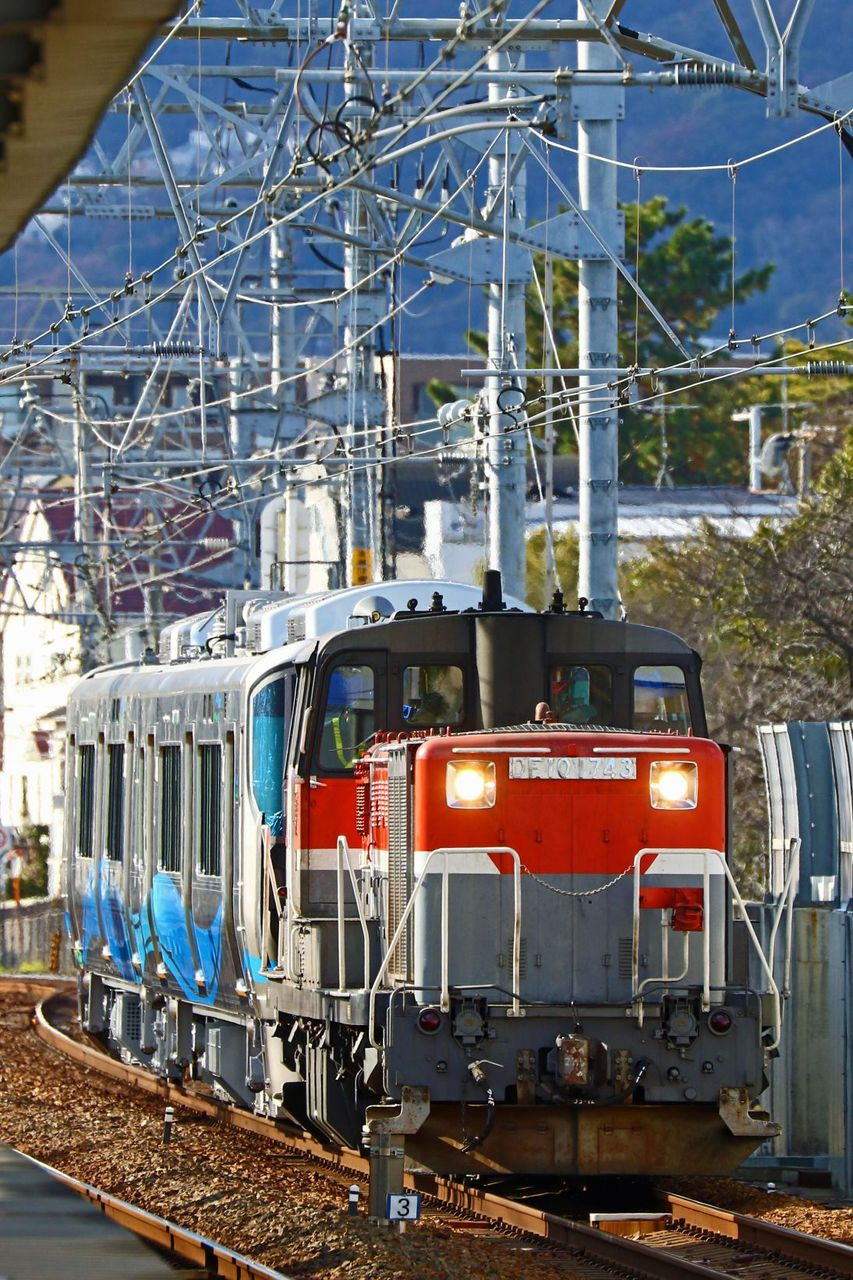 あいの風とやま鉄道 521系1000番台第1編成甲種輸送 DE10-1743号機牽引