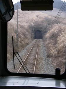 阿蘇へのトンネル