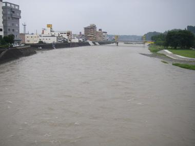 濁流の球磨川