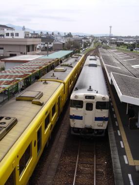 指宿駅跨線橋より
