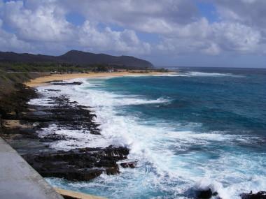 荒波の海岸