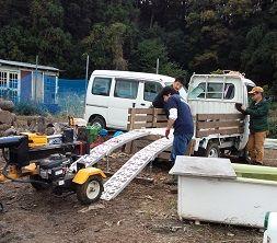 薪割り機運び
