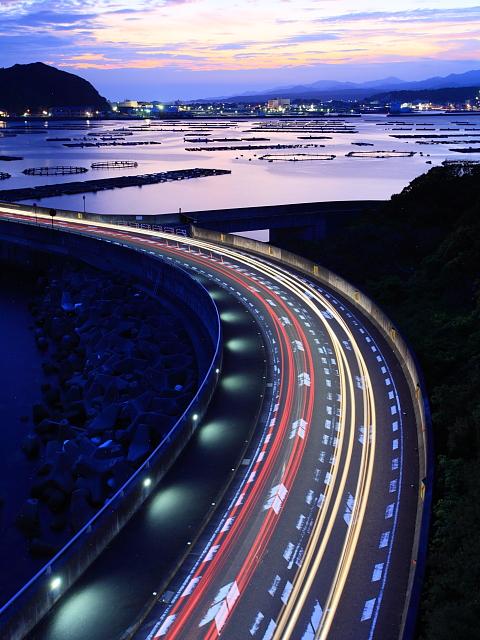 串本の町を望む