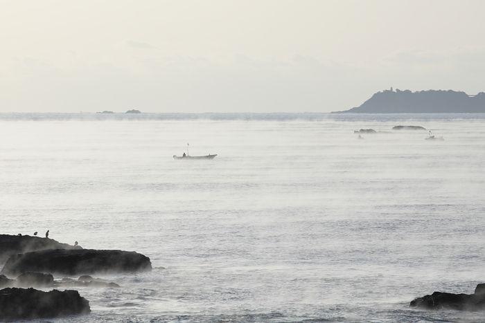 モノクロっぽい海霧
