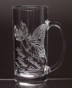 蝶のビールジョッキ