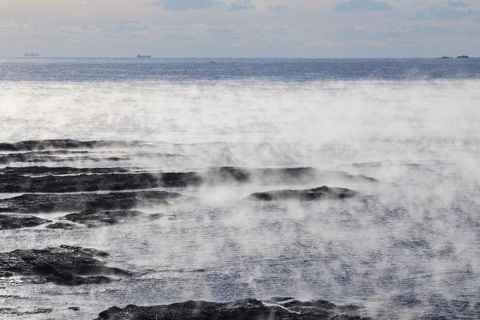 古座海岸の海霧-1