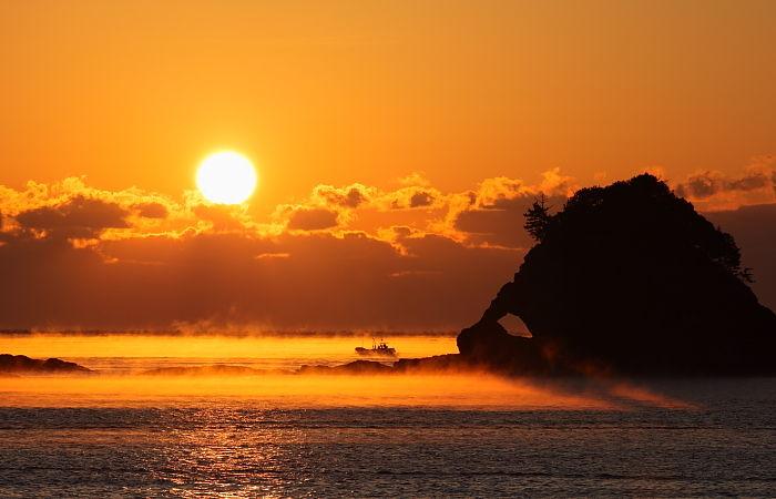 海霧と鯛島