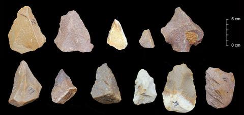 0発見された、中期旧石器時代の石器