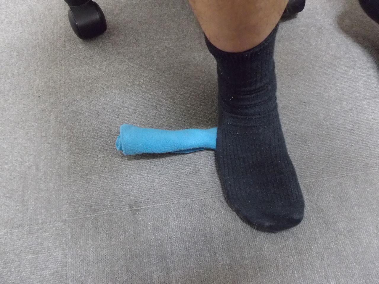 ↑ 捻挫してしまうと足の小指側の骨が通常の位地より下に落ちてしまいます... 足関節捻挫④最終回