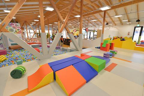 playville_indoor_img01